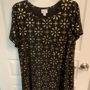 Elegant Carly, NWOT, Black and Gold